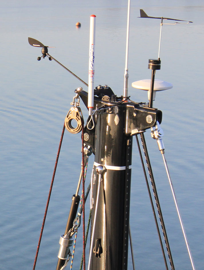 Yacht-Masthead-Close-Up1